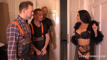 Luxury Sex addict Veronica Avluv gets a Double anal Gangbang for Dinner FS036 (2019) HD 720p