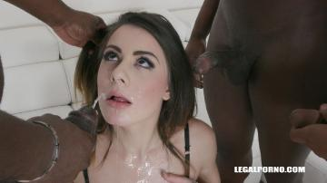 Giorgia Roma loves sex mix with golden shower IV275 (2019) UltraHD 2160p