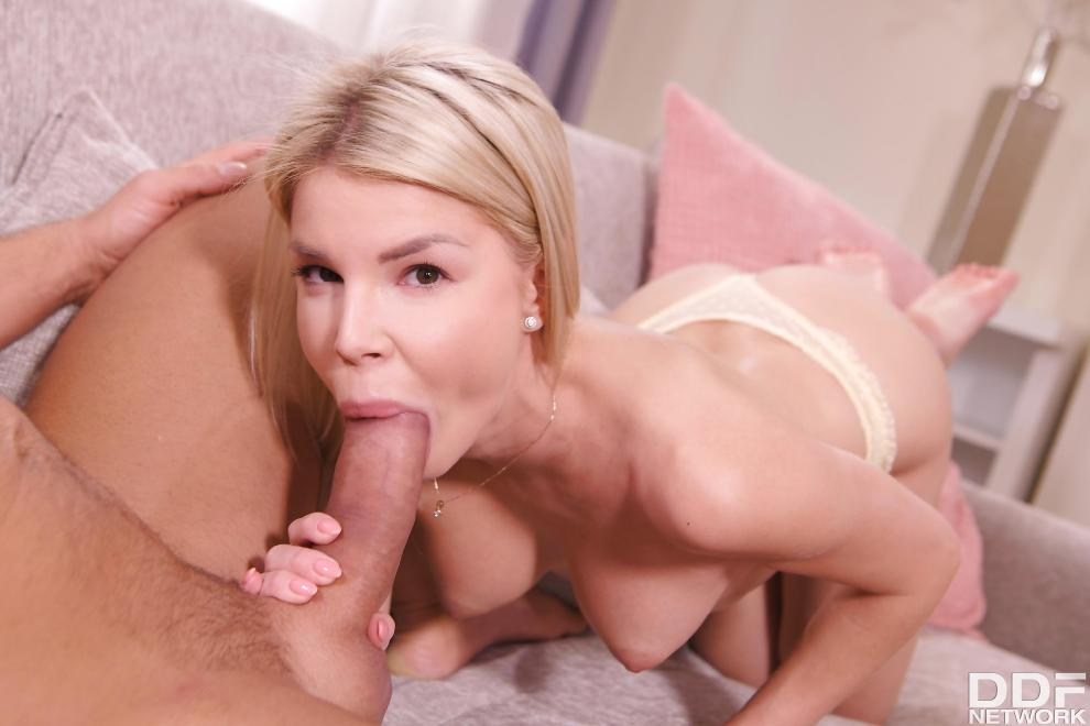 [OnlyBlowJob.com / DDFNetwork.com] Olivia Sin - Blowjob Daydreamer [21.02.2019 г., Cum in mouth, Blowjob, 540p]