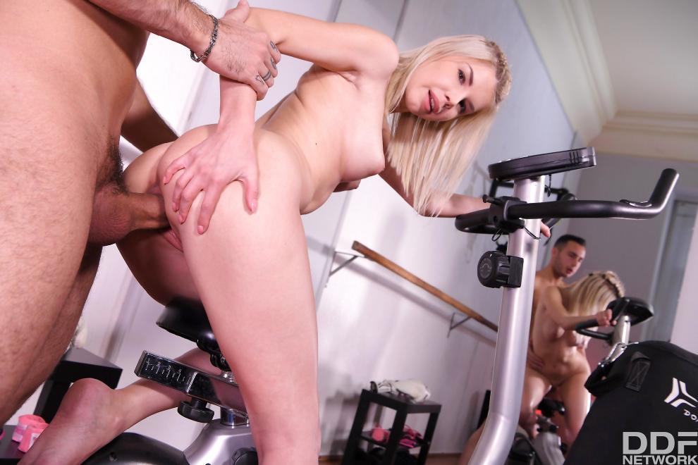 [HandsOnHardcore.com / DDFNetwork.com] Olivia Sin - Fucking Her Trainer [10.01.2019 г., All Sex, Blowjob, 360p]