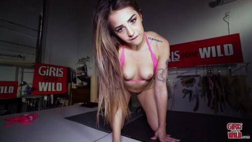 GirlsGoneWild 19 04 04 Sofie Cums In The Bikini Factory XXX 1080p MP4-KTR
