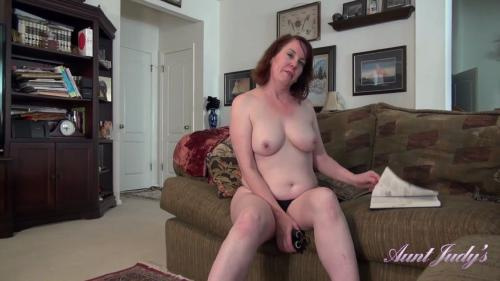 AuntJudys 19 04 19 Auntie Brie Slowly Seduces You During Her Workout XXX 1080p MP4-KTR