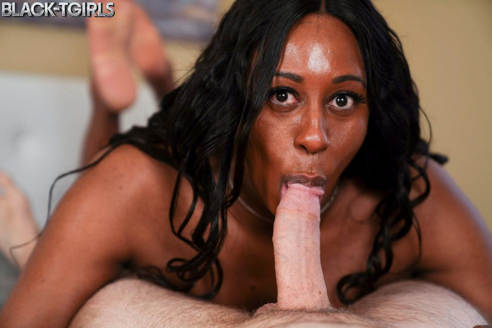 [Black-TGirls.com] Kylie Amoi - Kylie Amoi Enjoys Hard Fucking! [08.05.2019 г., Shemale, Hardcore, Black, 1080p]