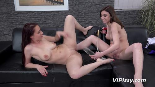 VIPissy 19 05 27 Antonia Sainz And Kira Axe Piss And Play XXX 1080p MP4-KTR