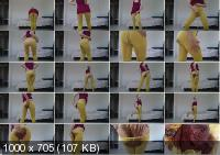 thefartbabes - Yellow Tights Slap Messy (HD)
