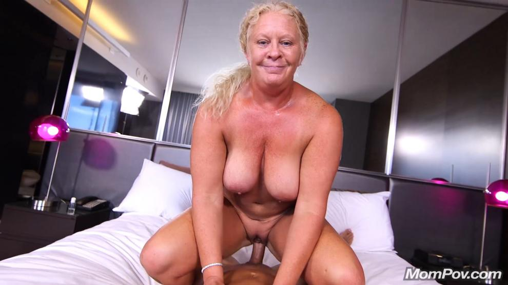 [MomPov.com] Lila - Curvy blonde natural MILF [10.07.2019 г., Anal, All Sex, Blowjobs, POV, Big Tits, Facial, 404p]